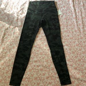 """lululemon athletica Pants - Lululemon Align Pant II 25"""" 7/8 size 4"""